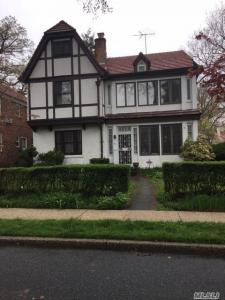 54 Wendover Rd, Forest Hills, NY 11375