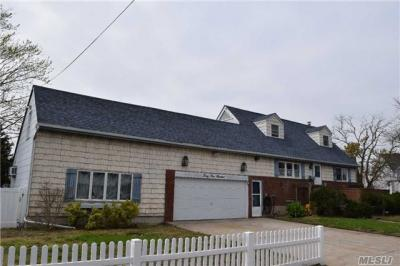 Photo of 3400 Westminster Rd, Oceanside, NY 11572