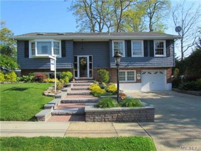 Photo of 47 Mckinley Ave, Farmingdale, NY 11735