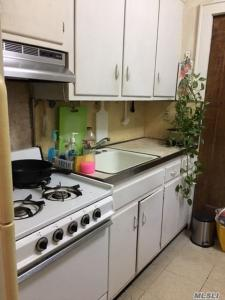 68-55 Exeter St #3rd Fl, Forest Hills, NY 11375