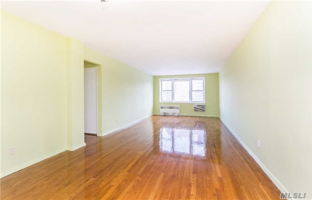 679 W 239th St #6k, Out Of Area Town, NY 10463