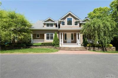 Photo of 93 Middle Line Hwy, Southampton, NY 11968