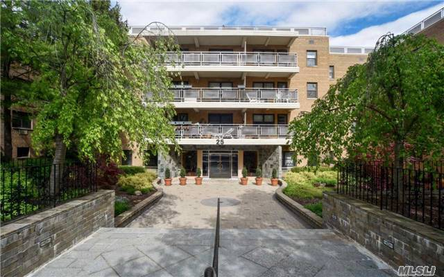 25 Park Pl #3e, Great Neck, NY 11021