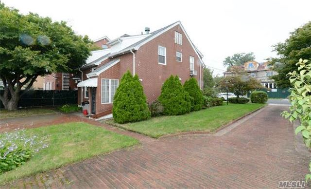 110-26 68 Rd, Forest Hills, NY 11375