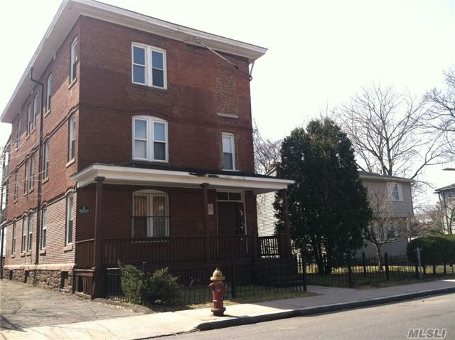 29 Belden St, Out Of Area Town, ct 06120