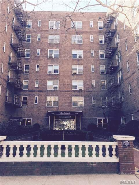 67-12 Yellowstone Blvd #C3, Forest Hills, NY 11375
