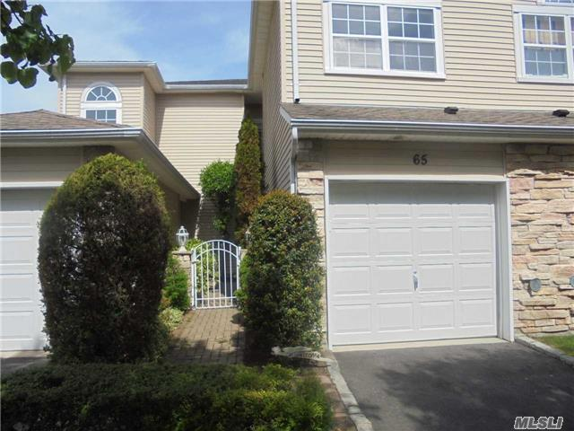 65 Windwatch Dr, Hauppauge, NY 11788