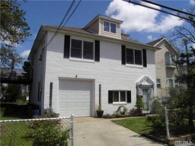 9 August Ave, Bayville, NY 11709