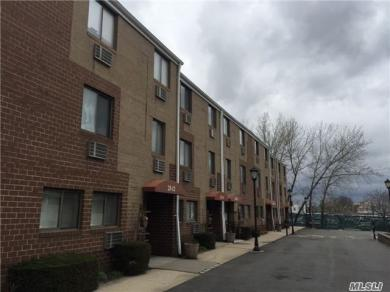 25-08 120 St #3, College Point, NY 11356