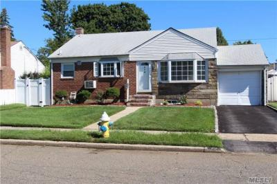 Photo of 214 Margaret Dr, East Meadow, NY 11554