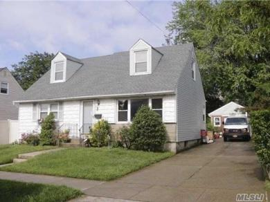 23-46 129th St, College Point, NY 11356