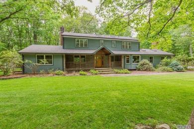 126 Cliff Rd, Belle Terre, NY 11777