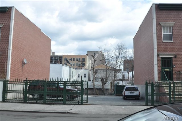 2018 Belmont Ave, Out Of Area Town, NY 10457