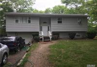 192 Ellen St, Riverhead, NY 11901