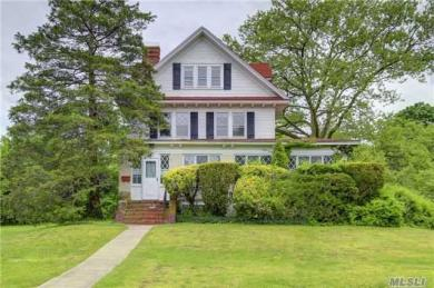 334 Plymouth Ave, Brightwaters, NY 11718