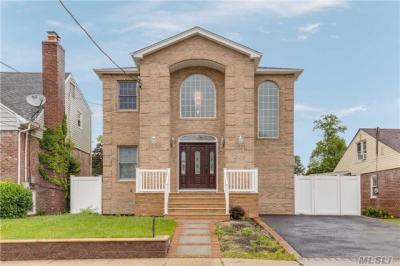 Photo of 1509 Peapond Rd, N Bellmore, NY 11710