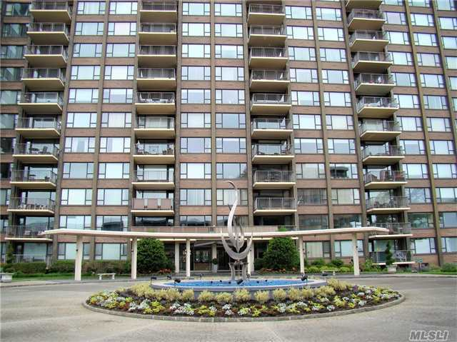 166-25 Powells Cove Blvd #4e, Beechhurst, NY 11357