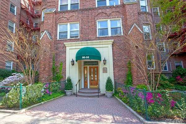 86-10 34 Ave #113, Jackson Heights, NY 11372