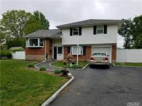44 Overlook Dr, East Islip, NY 11730
