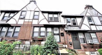 67-88 Clyde St, Forest Hills, NY 11375
