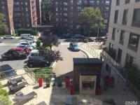 64-05 Yellowstone Blvd #419, Forest Hills, NY 11375