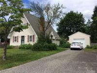 29 W 3rd St, Patchogue, NY 11772