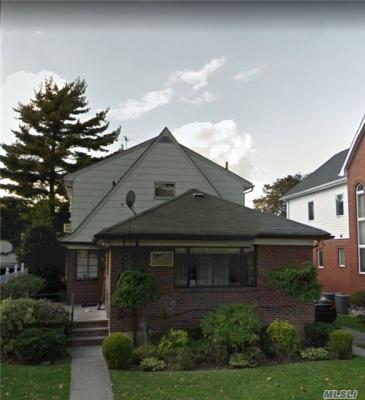 Photo of 75-12 172nd St, Fresh Meadows, NY 11366