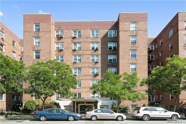 102-21 63 Rd #A11, Forest Hills, NY 11375