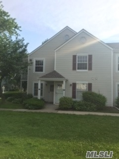 Photo of 120 Fairview Cir, Middle Island, NY 11953