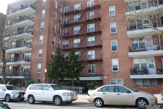 67-50 Thornton Pl #6n, Forest Hills, NY 11375