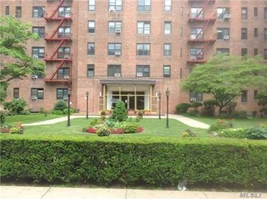 100-11 67th Rd #611, Forest Hills, NY 11375