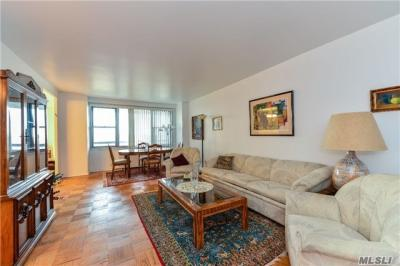 Photo of 70-25 Yellowstone Blvd #10c, Forest Hills, NY 11375