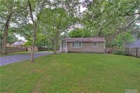 41 N Candido Ave, Shirley, NY 11967