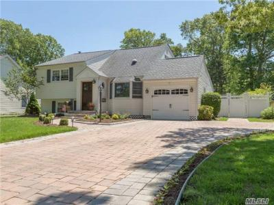 Photo of 146 Timberpoint Rd, East Islip, NY 11730