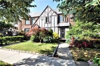 67-68 Groton St, Forest Hills, NY 11375