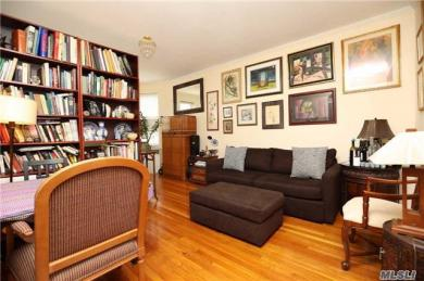111-35 75th Ave #42, Forest Hills, NY 11375
