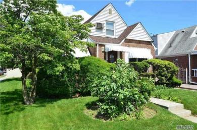 32-03 Clearview Expy, Bayside, NY 11361