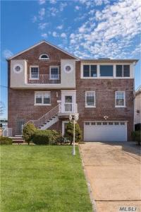 3280 Tierney Pl, Out Of Area Town, NY 10465