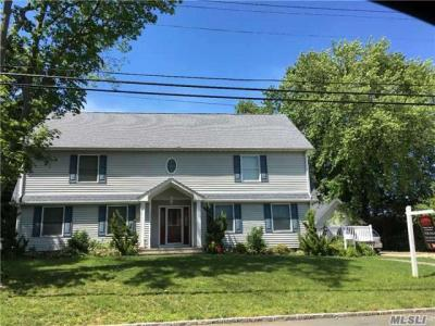 Photo of 269 Liberty St, Deer Park, NY 11729
