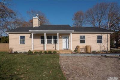 Photo of 1194 Little East Neck Rd, W Babylon, NY 11704