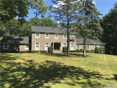 5 Coach Ln, Muttontown, NY 11791