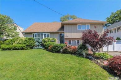 310 Concord Ave, Oceanside, NY 11572