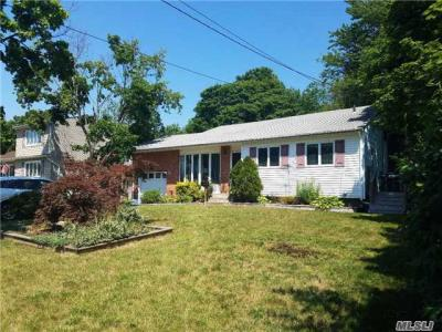 Photo of 21 Doncaster Ave, West Islip, NY 11795