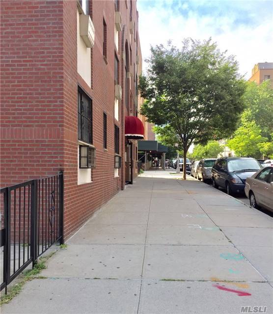 42-60 Colden St #1a, Flushing, NY 11355