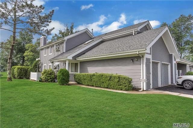 367 Seabreeze Ct, Moriches, NY 11955