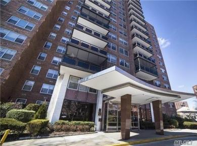 70-20 108th St #3f, Forest Hills, NY 11375