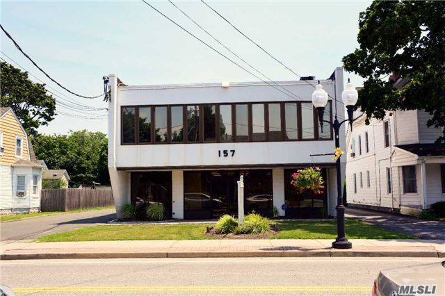 157 N Ocean Ave, Patchogue, NY 11772