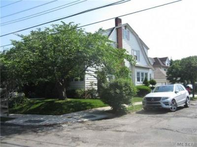 Photo of 5-33 College Pl, College Point, NY 11356