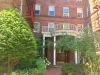 111-39 76 Rd #E3, Forest Hills, NY 11375