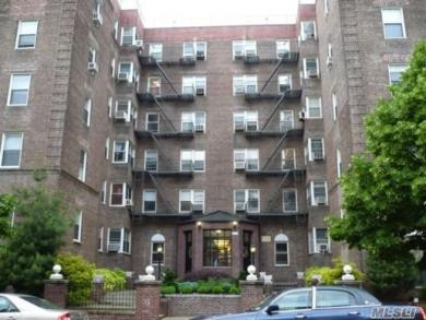 99-45 67 Rd #423, Forest Hills, NY 11375